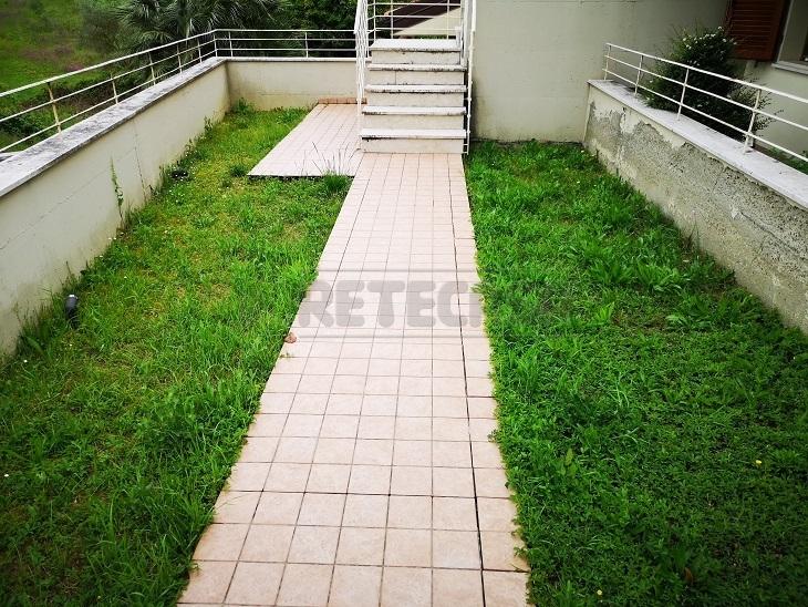Bilocale in buone condizioni in affitto Rif. 10176092