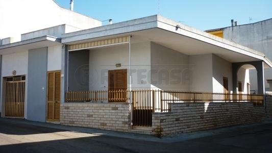 Soluzione Indipendente in vendita a Sannicola, 9999 locali, prezzo € 140.000 | CambioCasa.it