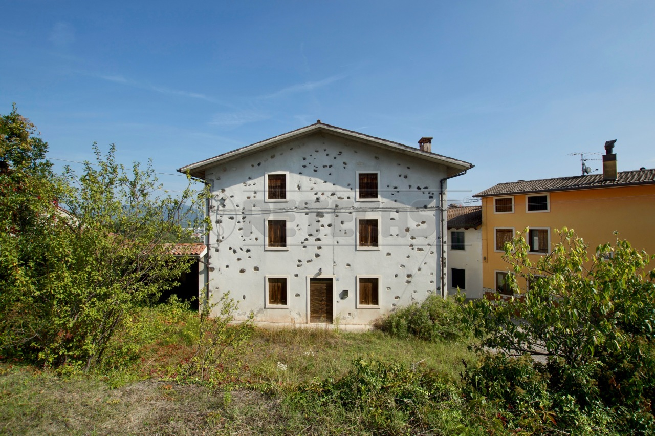 Casa Indipendente in discrete condizioni in vendita Rif. 11345136