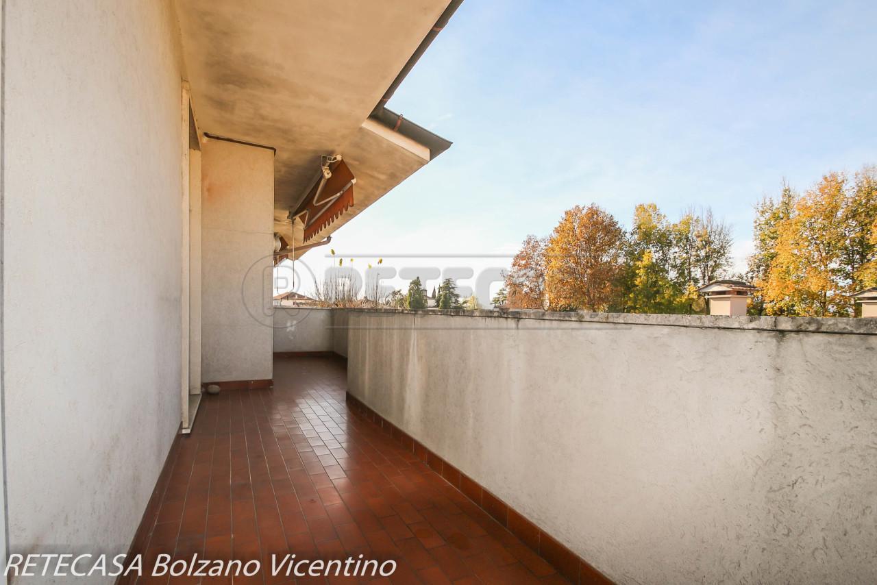 Appartamento in vendita a Bolzano Vicentino, 7 locali, prezzo € 98.000 | CambioCasa.it