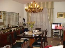 Trilocale in Vendita a Napoli, zona san carlo arena, 175'000€, 90 m²