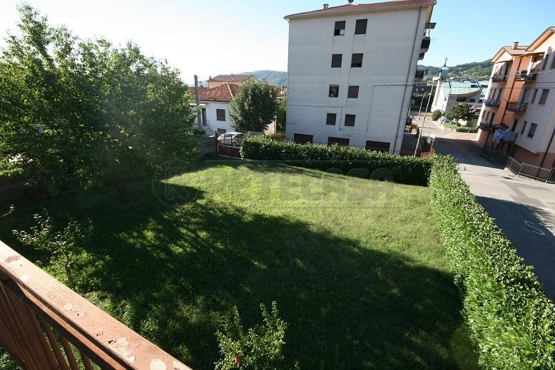 Villa in discrete condizioni in vendita Rif. 11245308