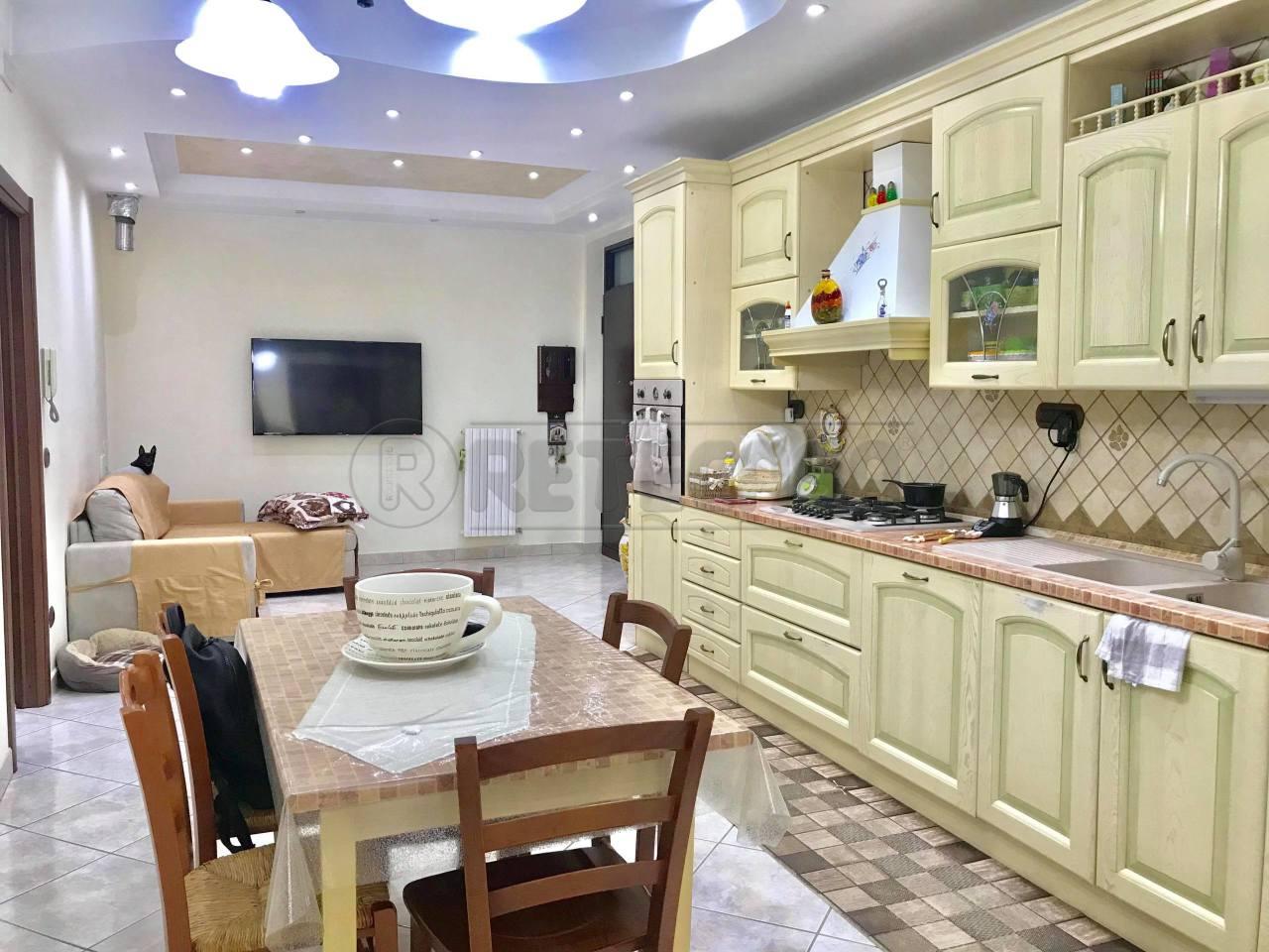 Appartamento in ottime condizioni in vendita Rif. 8518195