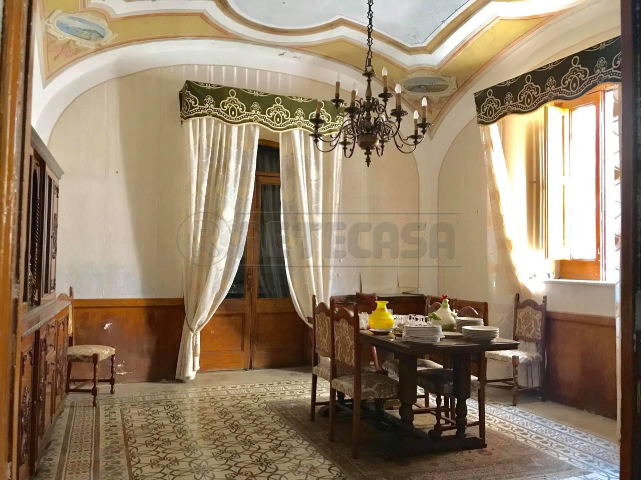 Casa Indipendente in buone condizioni in vendita Rif. 8197591