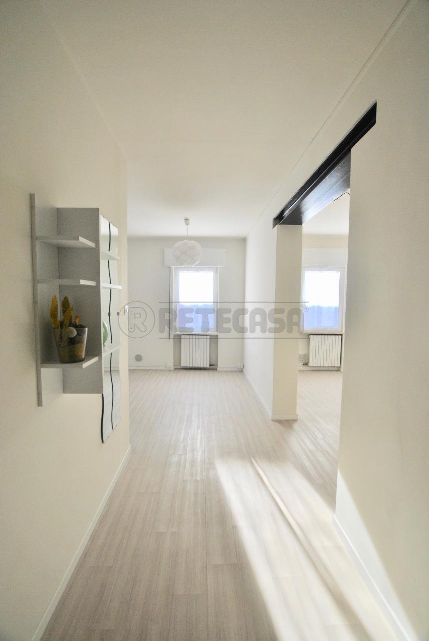 Appartamento ristrutturato in affitto Rif. 9011548