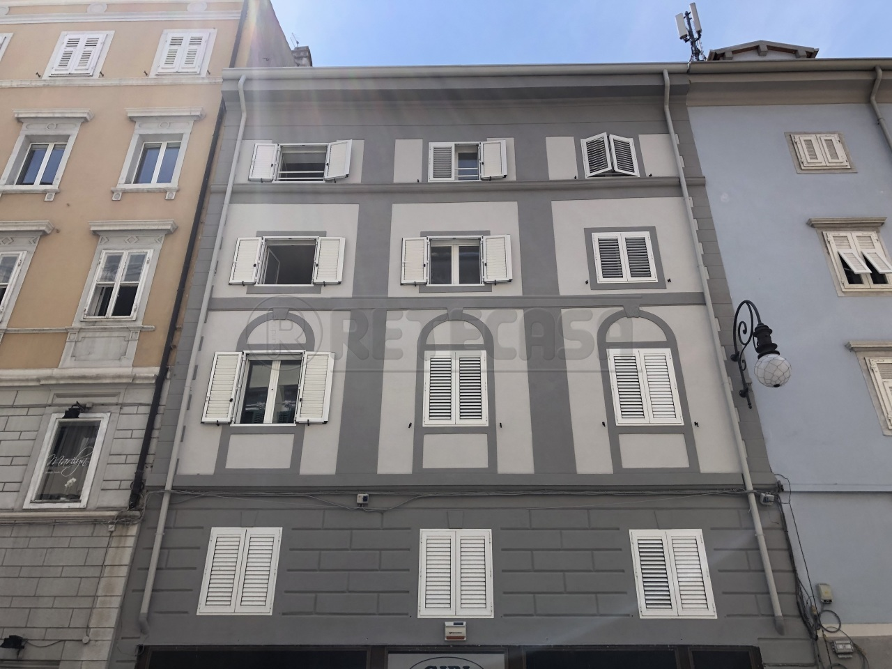Appartamento a Trieste in Vendita