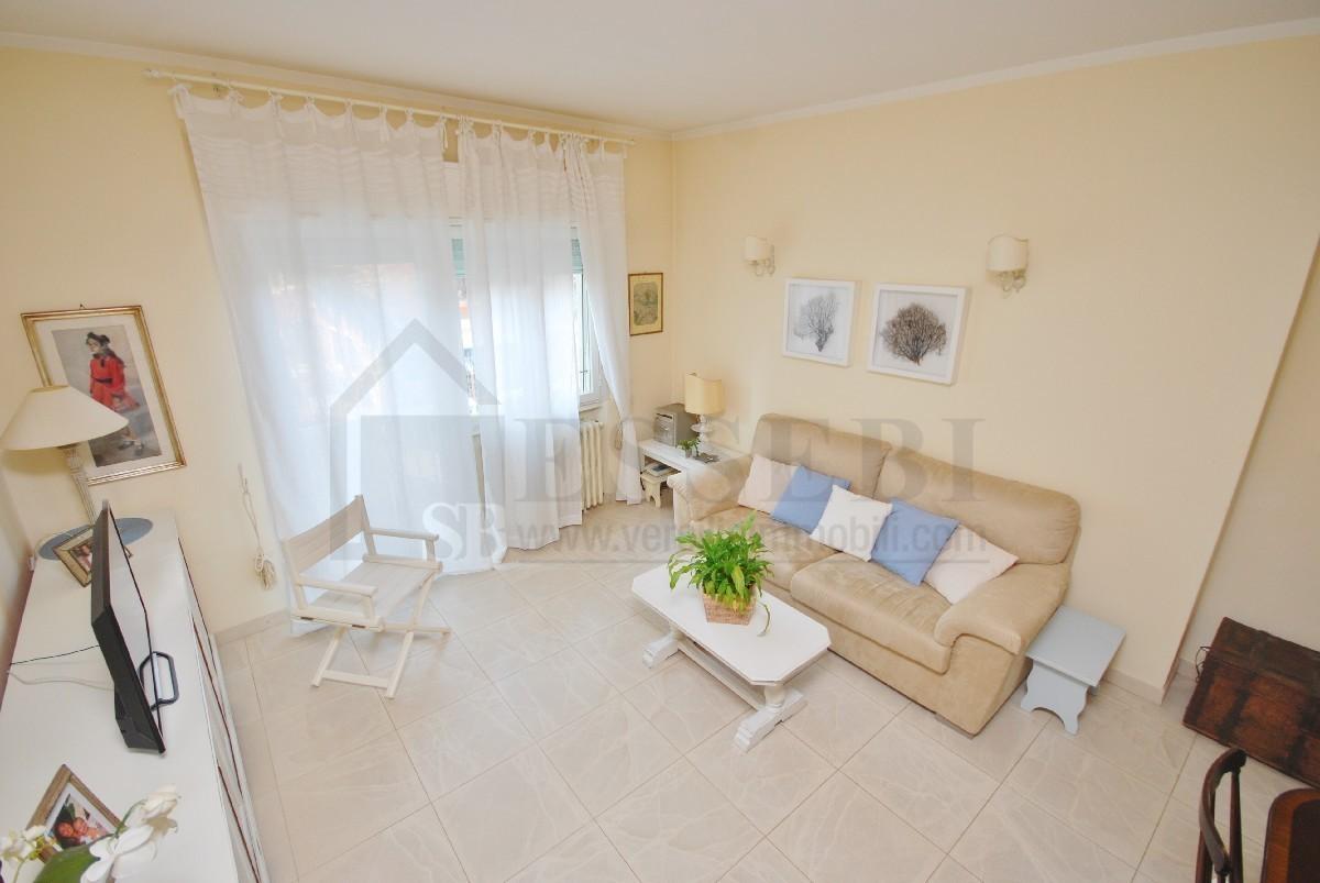 Appartamento - 5 vani a Marina Di Pietrasanta, Pietrasanta