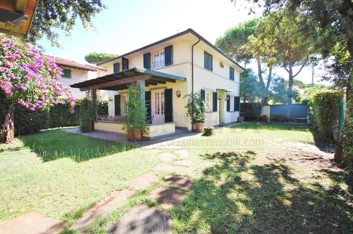 Villa in ottime condizioni in vendita Rif. 11281744