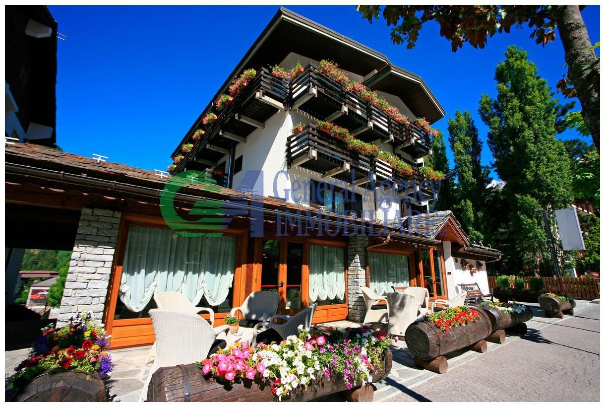Appartamento in buone condizioni arredato in vendita Rif. 8149553