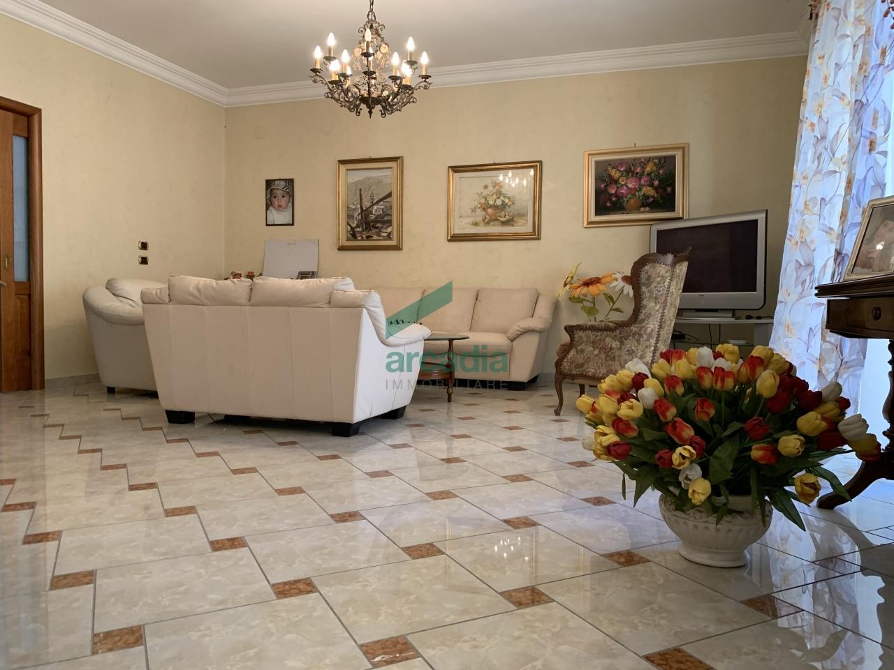 Appartamento in vendita a Bari, 6 locali, prezzo € 490.000   CambioCasa.it