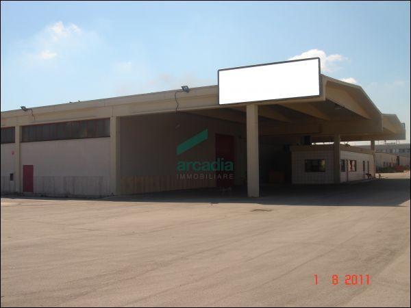 Capannone - Industriale a Zona industriale, Bari Rif. 10491889