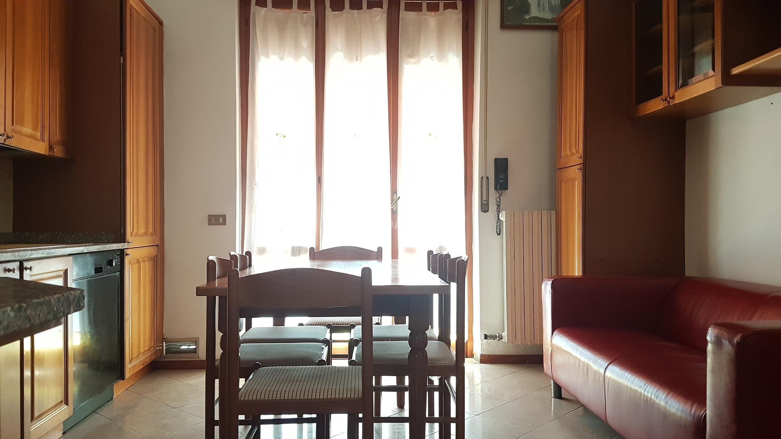 Immobili in affitto limbiate case uffici e negozi in for Case limbiate
