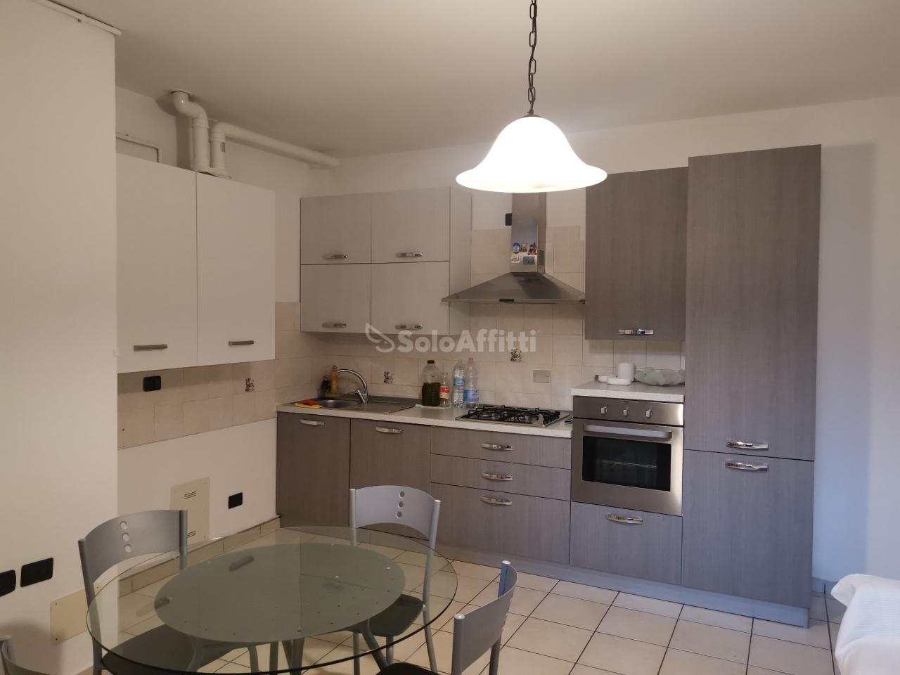 Appartamento in affitto a Saronno, 2 locali, prezzo € 575 | PortaleAgenzieImmobiliari.it
