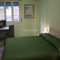 Stanza / posto letto in ottime condizioni arredato in affitto Rif. 9841315