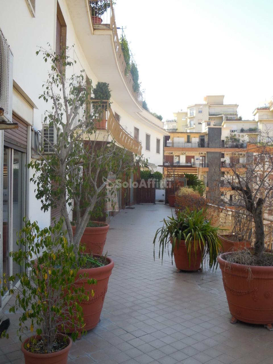 Appartamento - 6 locali a Chiaia, Napoli