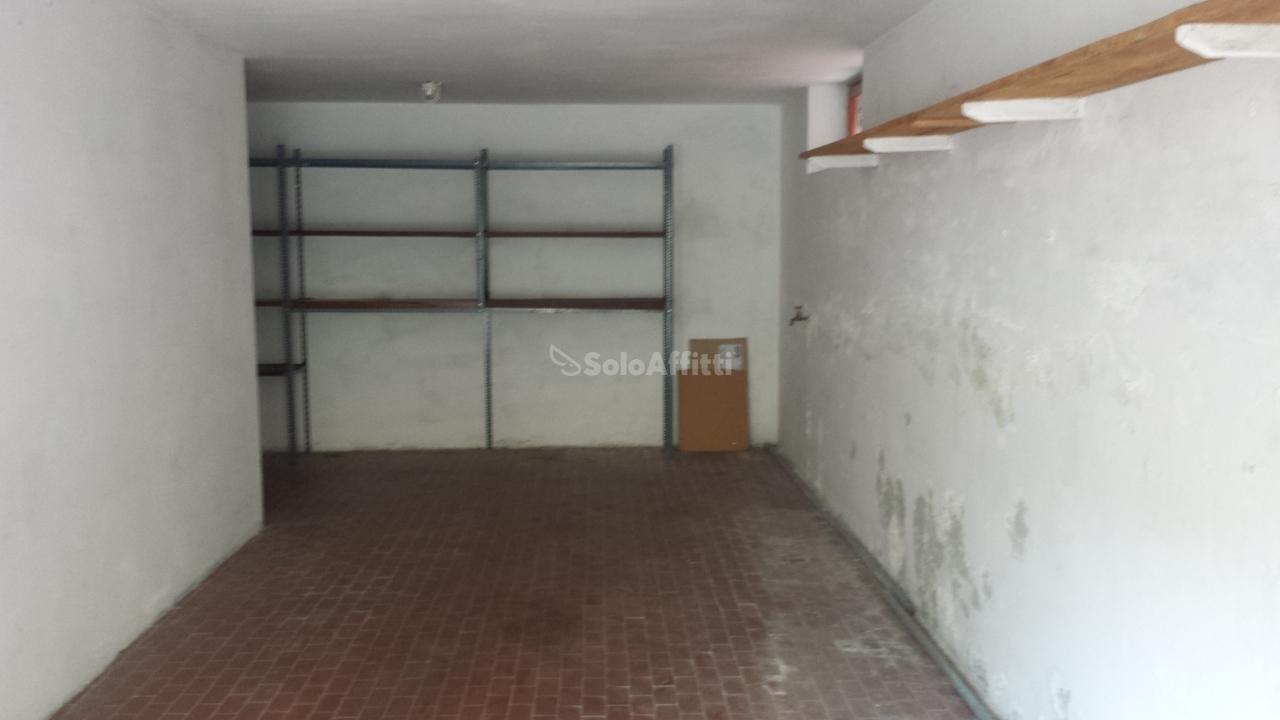 Box e posti auto in affitto Rif. 7882285