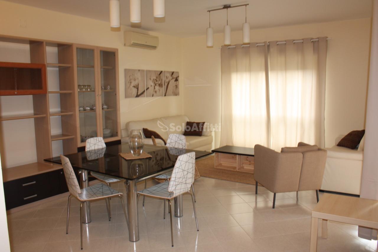 Pentalocale in ottime condizioni arredato in affitto Rif. 4134291