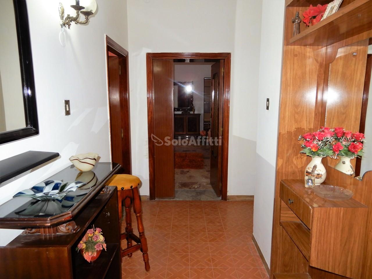 Quadrilocale in buone condizioni arredato in affitto Rif. 8099563