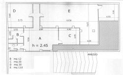 Magazzino in Affitto a Arezzo, zona Giotto, 700€, 235 m²