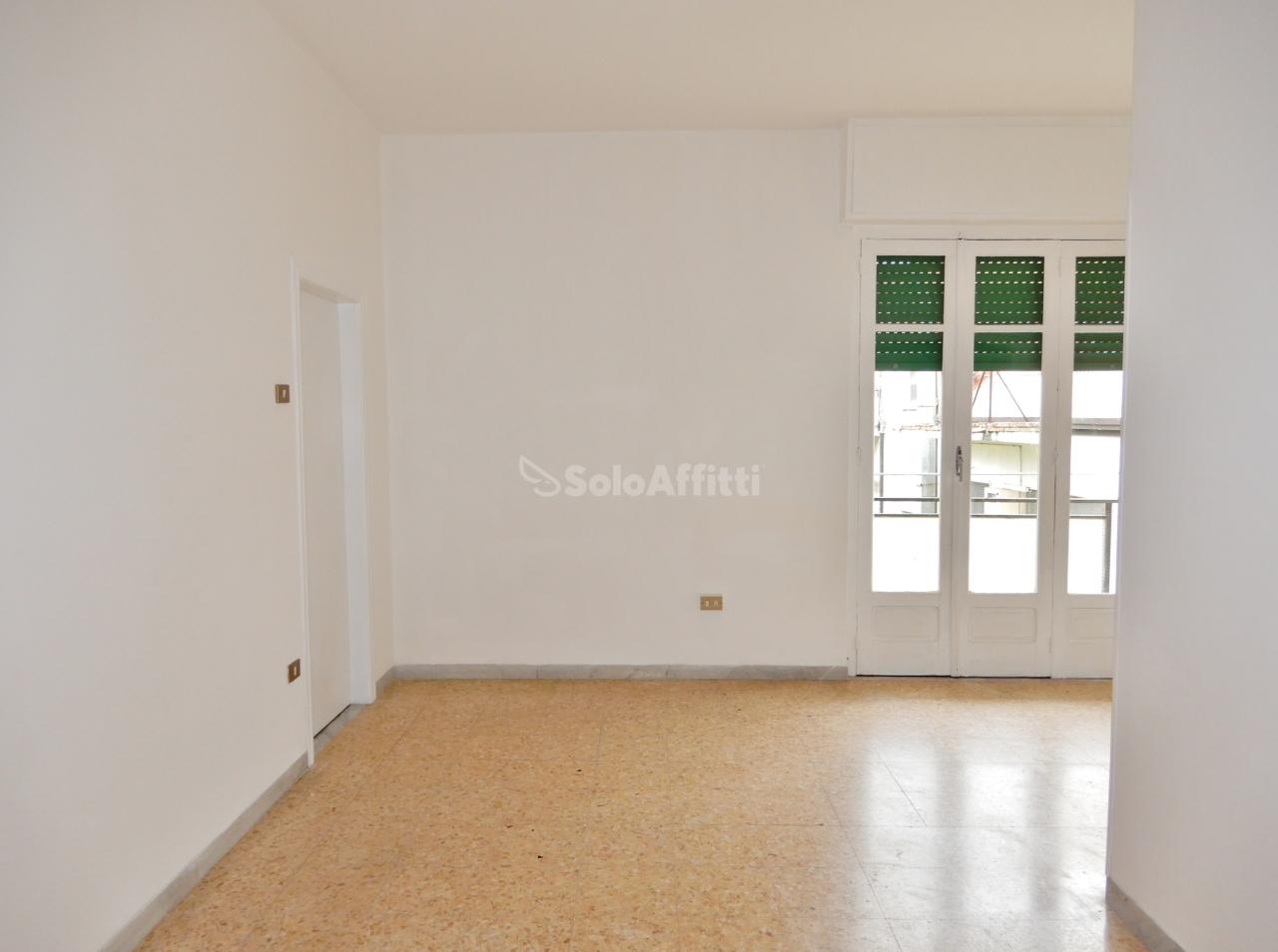 Bilocale in buone condizioni in affitto Rif. 10034555