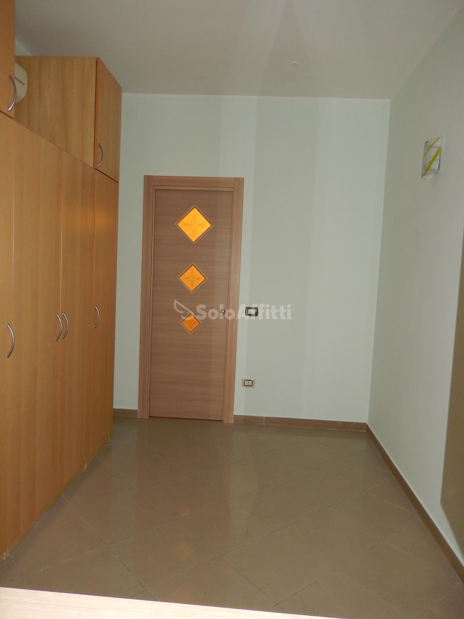 Affitto appartamento trilocale arredato for Affitto arredato