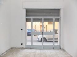 Capannone in Affitto a Catanzaro, zona Pontegrande, 300€, 40 m²