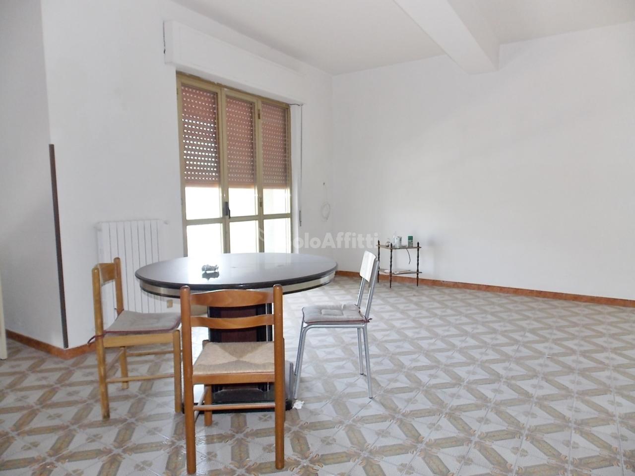 Stanza / posto letto in buone condizioni arredato in affitto Rif. 6169272