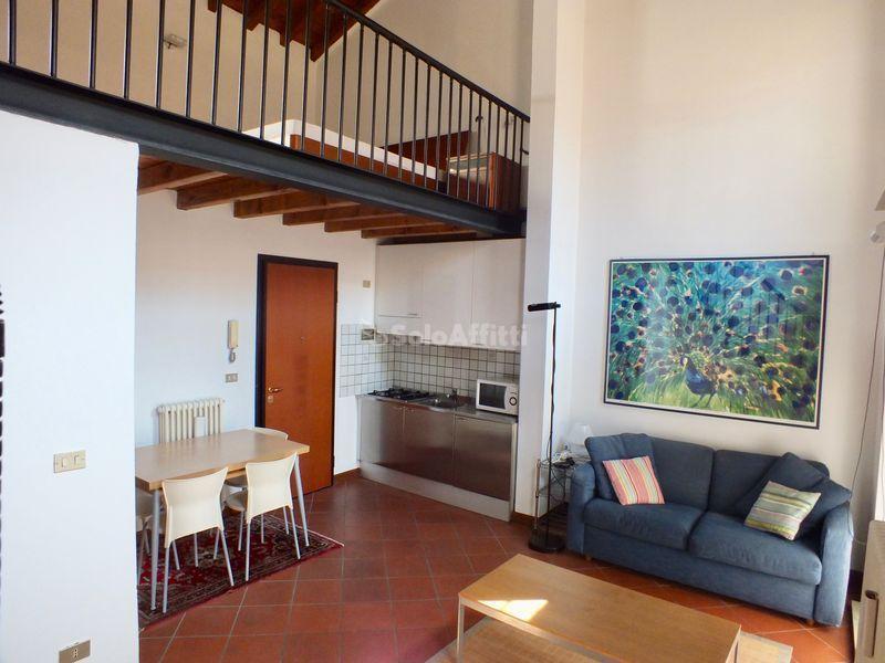 Appartamento in ottime condizioni arredato in affitto Rif. 7792026