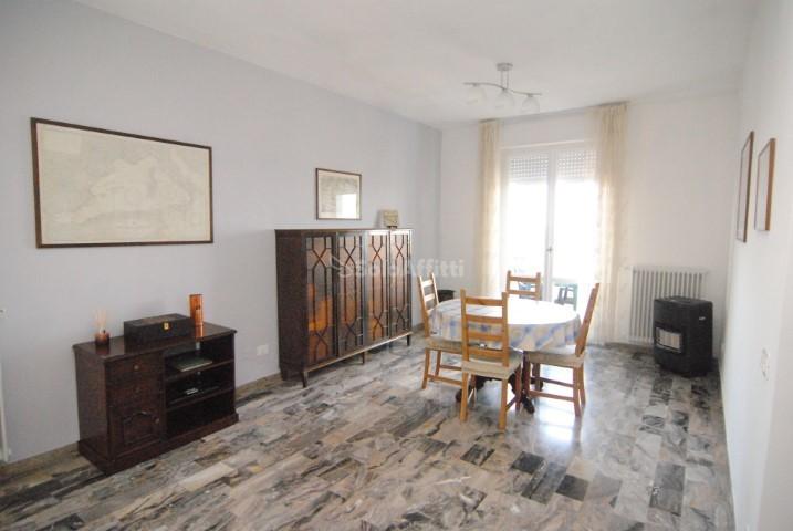 Appartamento da ristrutturare arredato in affitto Rif. 11328399
