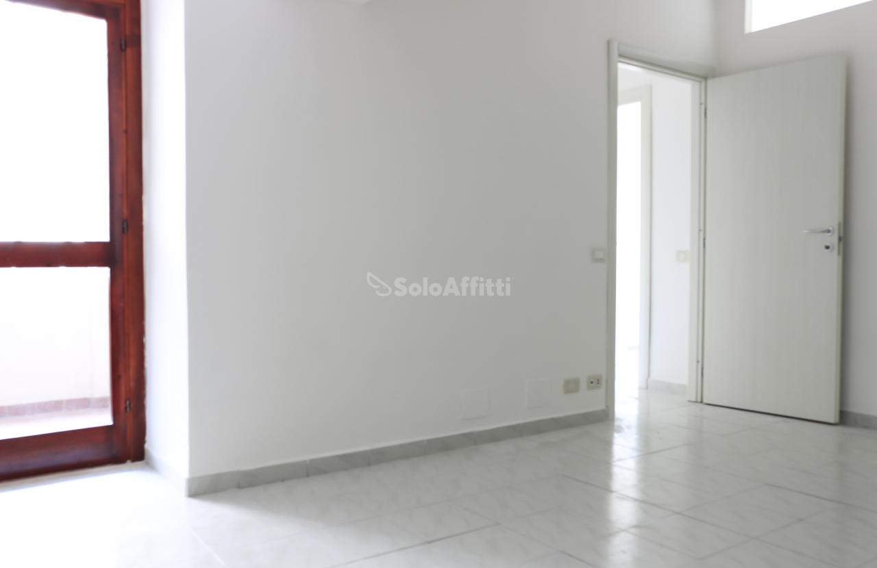 Bilocale in buone condizioni in affitto Rif. 8658913