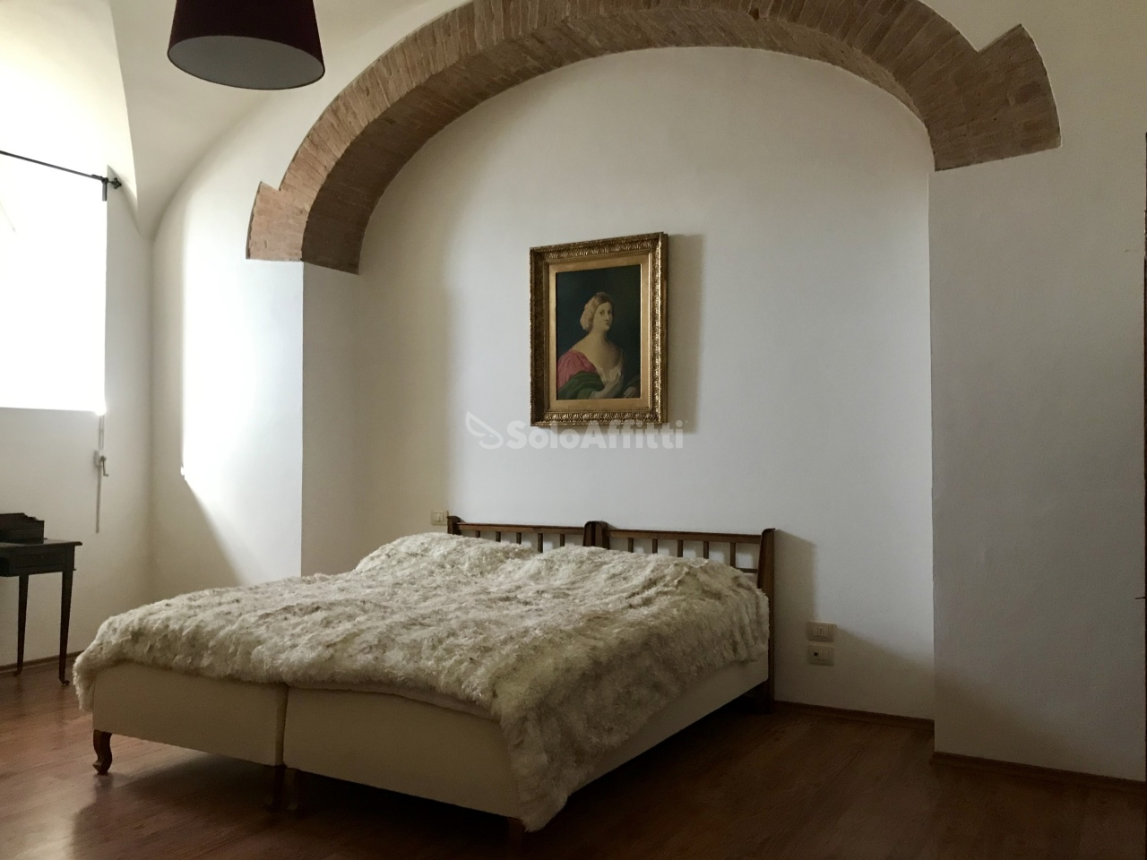 Stanza / posto letto ristrutturato arredato in affitto Rif. 10781178