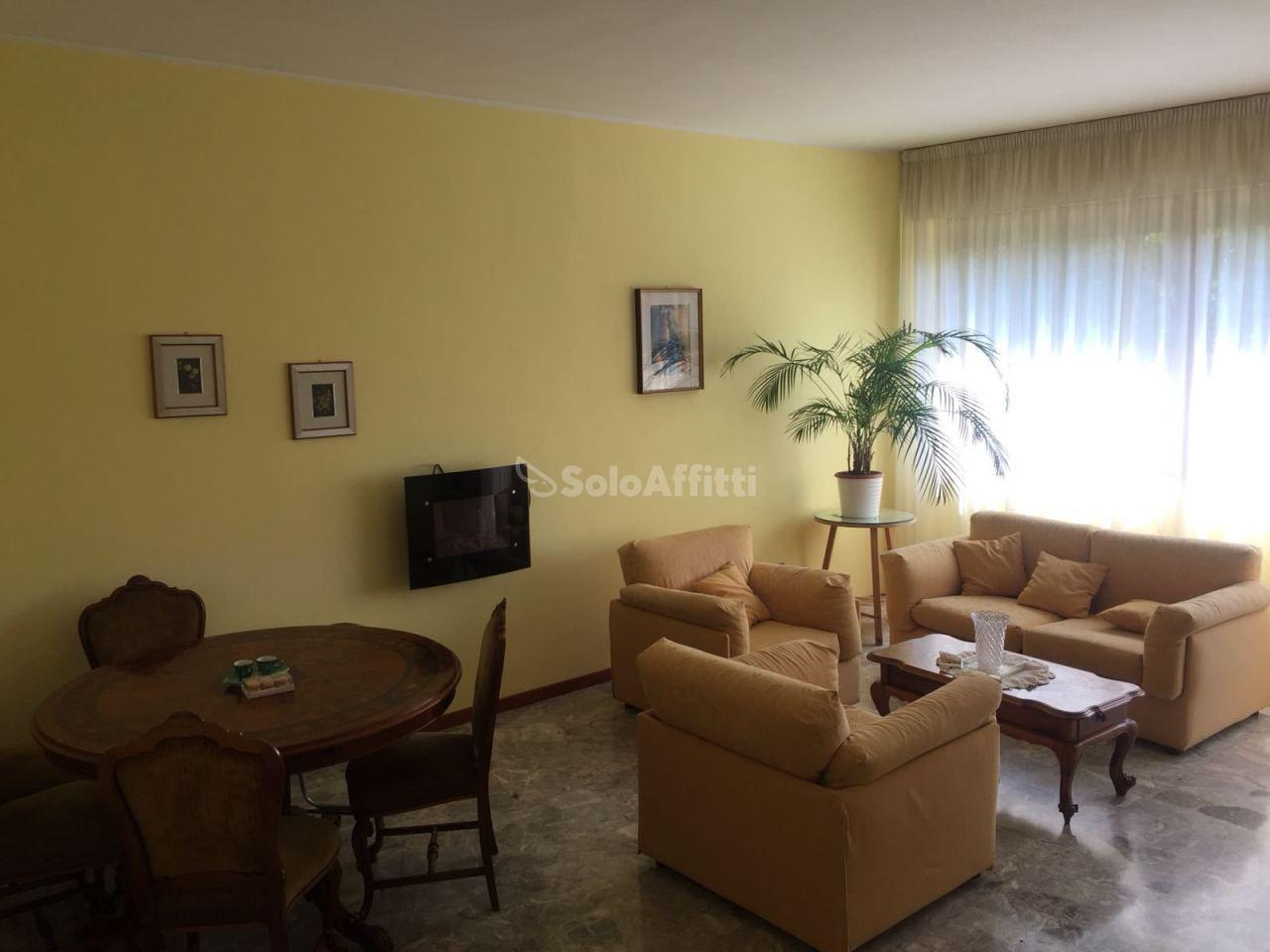 Appartamento - Quadrilocale a Viale Regina Elena, Pescara