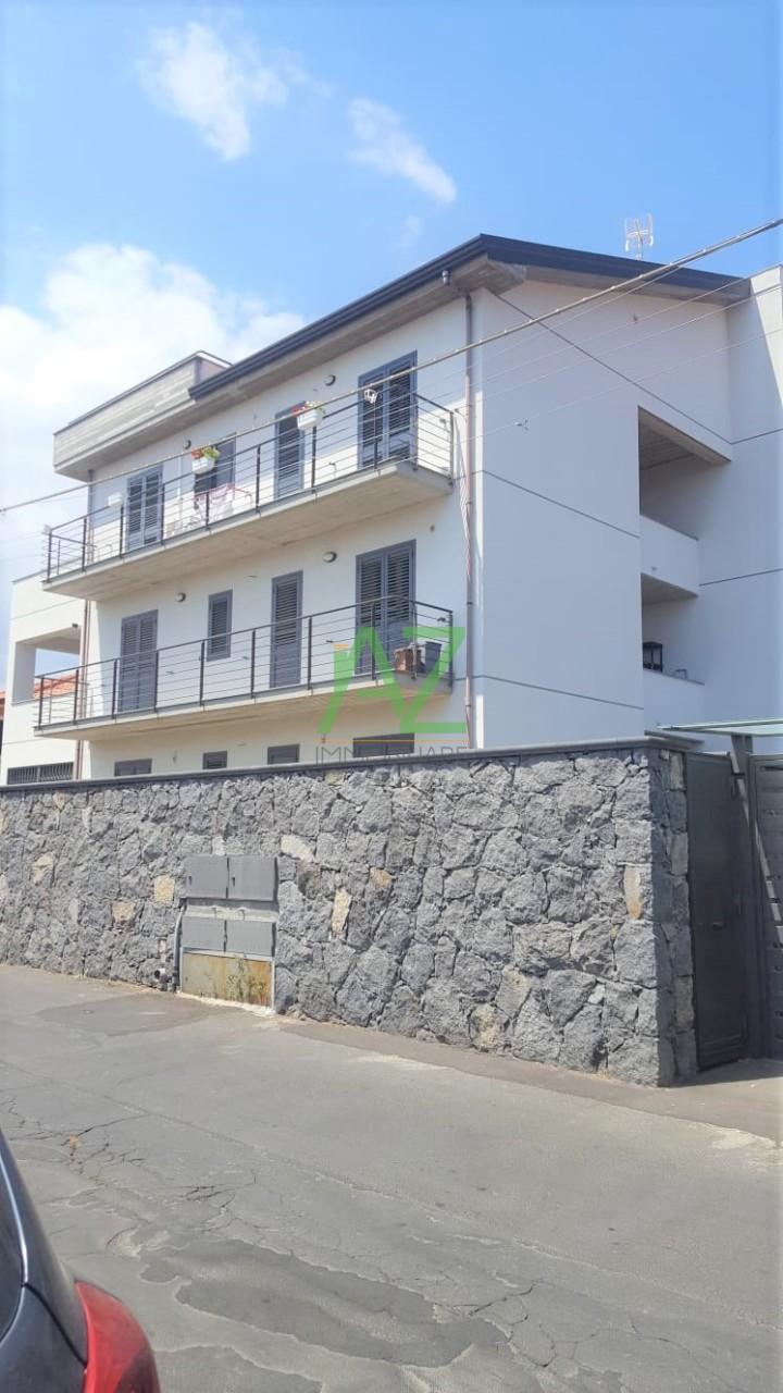 Appartamento - con Garage a Mascalucia