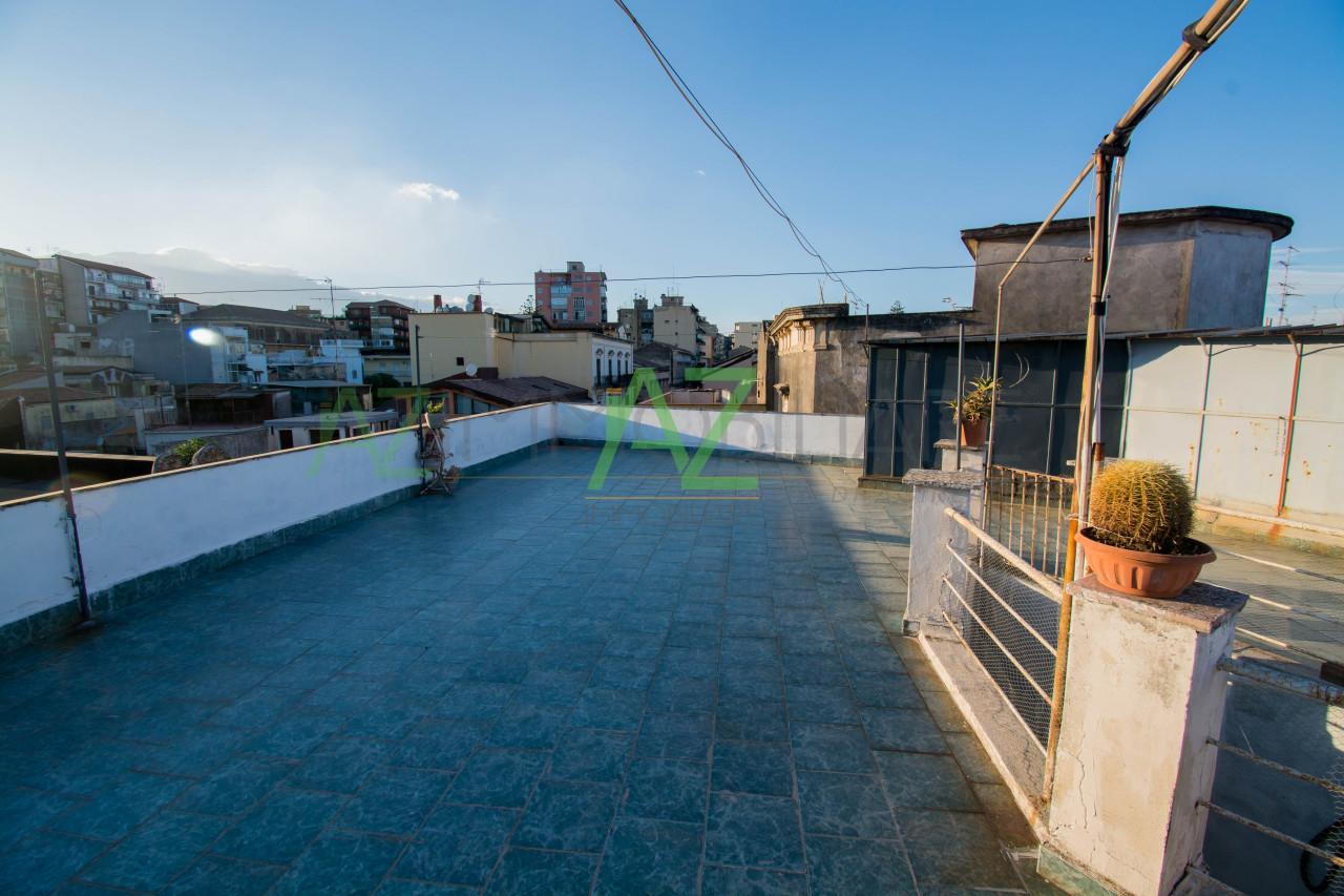 Appartamento da ristrutturare arredato in vendita Rif. 9854525