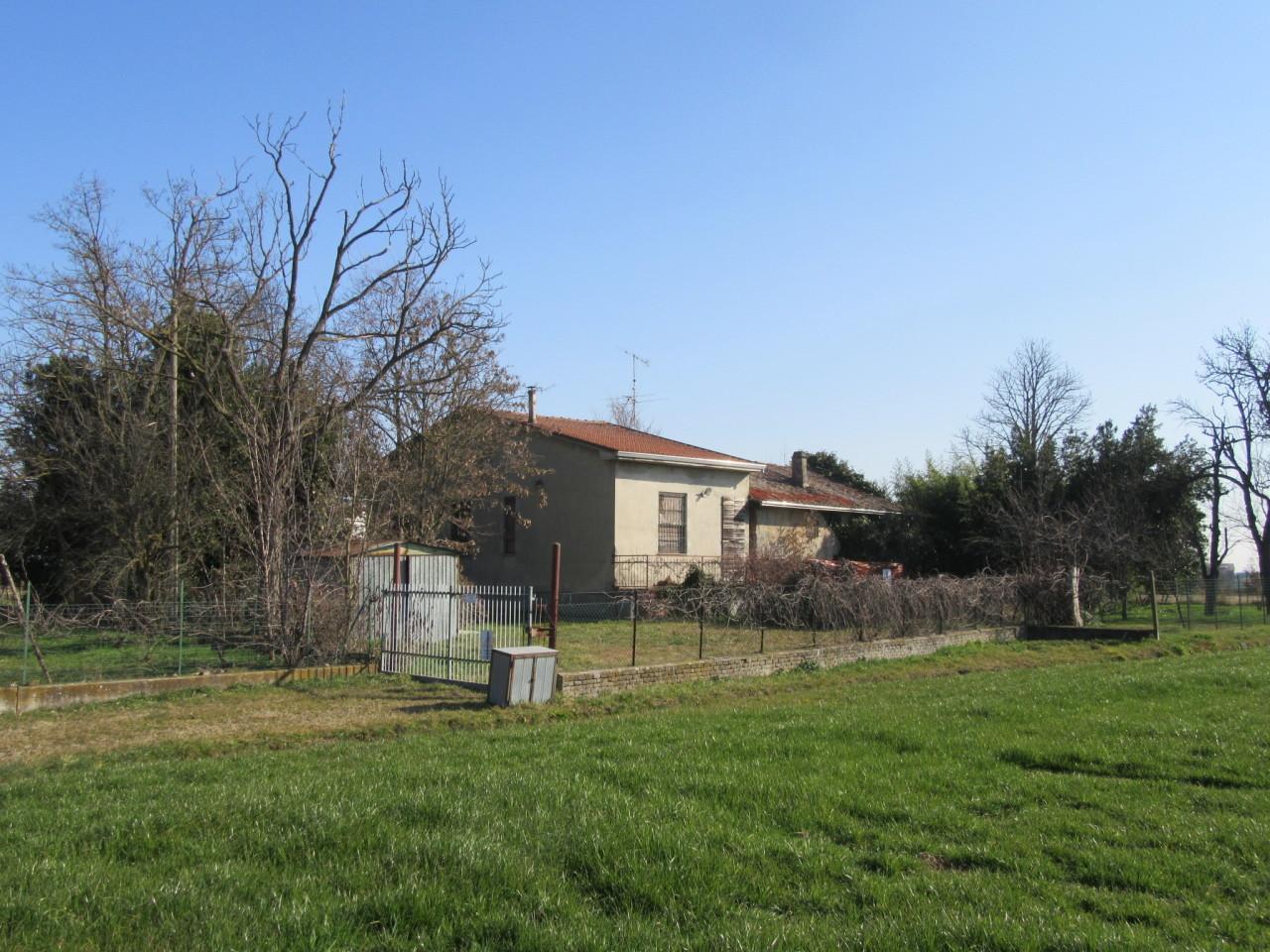 Terreno in discrete condizioni in vendita Rif. 11167964