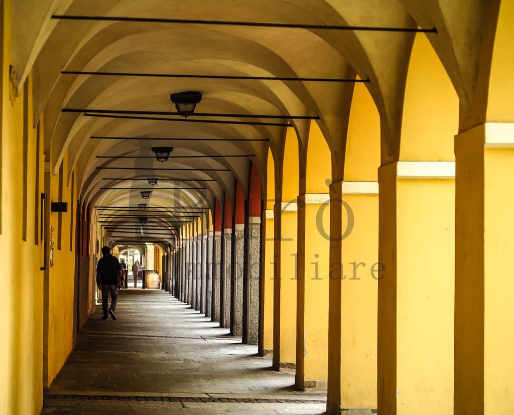 Commerciale - Una vetrina a Parma Centro, Parma Rif. 8282470