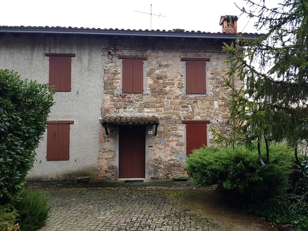 Casa Indipendente in buone condizioni in vendita Rif. 11077295