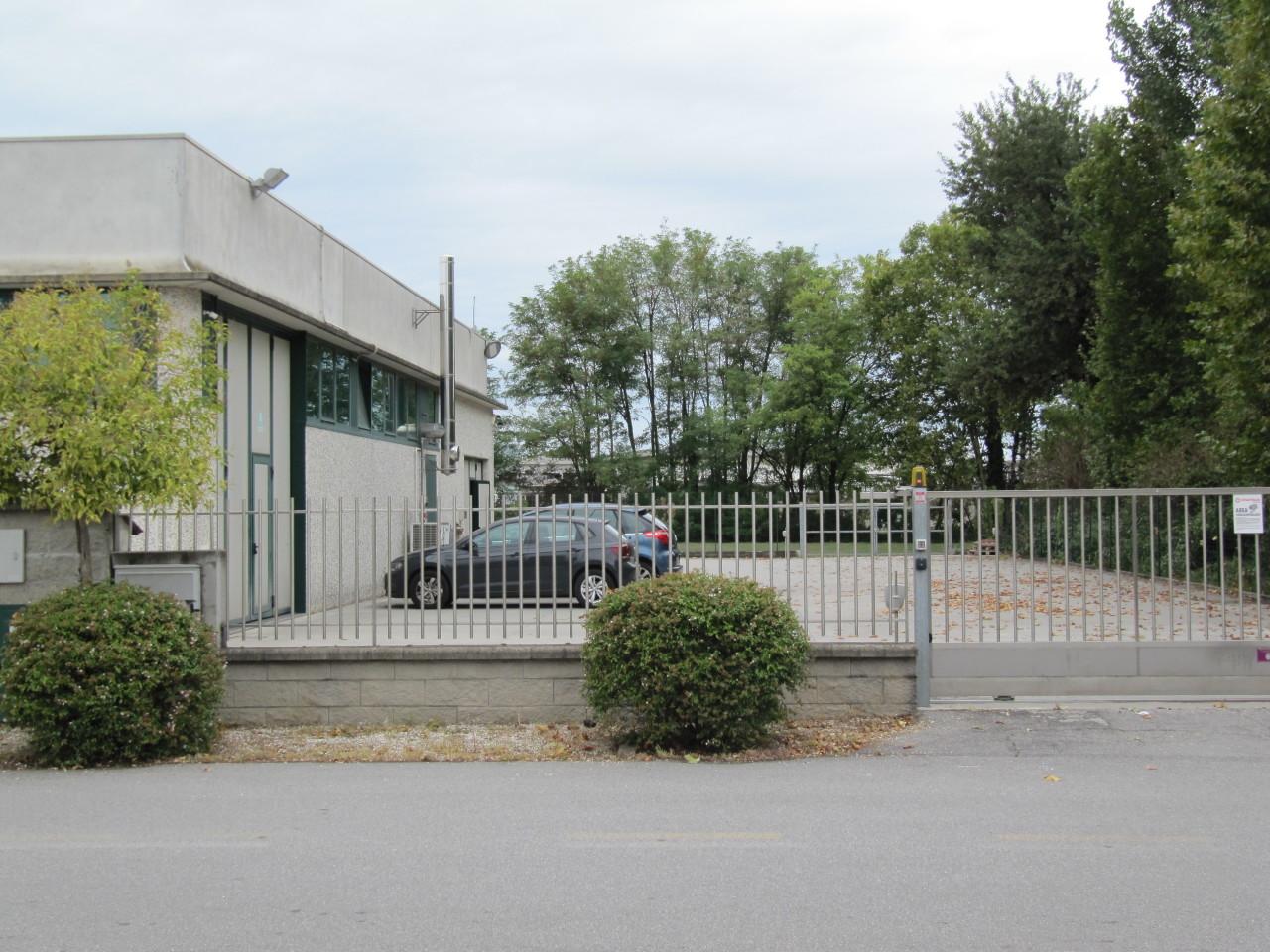 Capannone in vendita a Gadesco-Pieve Delmona, 5 locali, prezzo € 650.000 | PortaleAgenzieImmobiliari.it