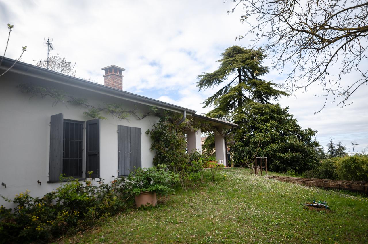 Villa in buone condizioni in vendita Rif. 11033981