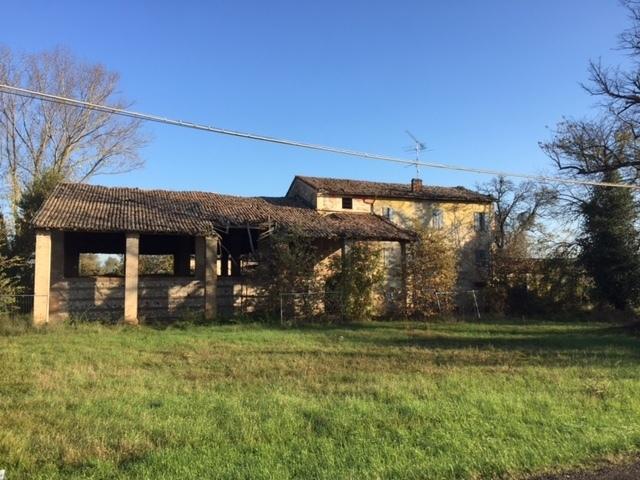 Rustico / Casale in discrete condizioni in vendita Rif. 8756263
