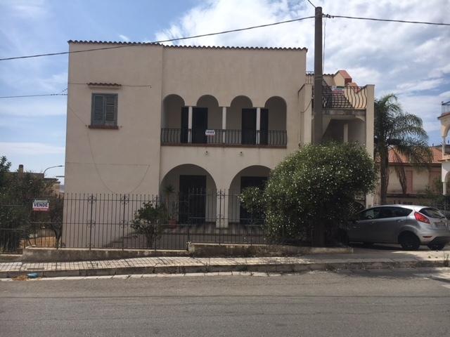 Villa in discrete condizioni in vendita Rif. 7943389