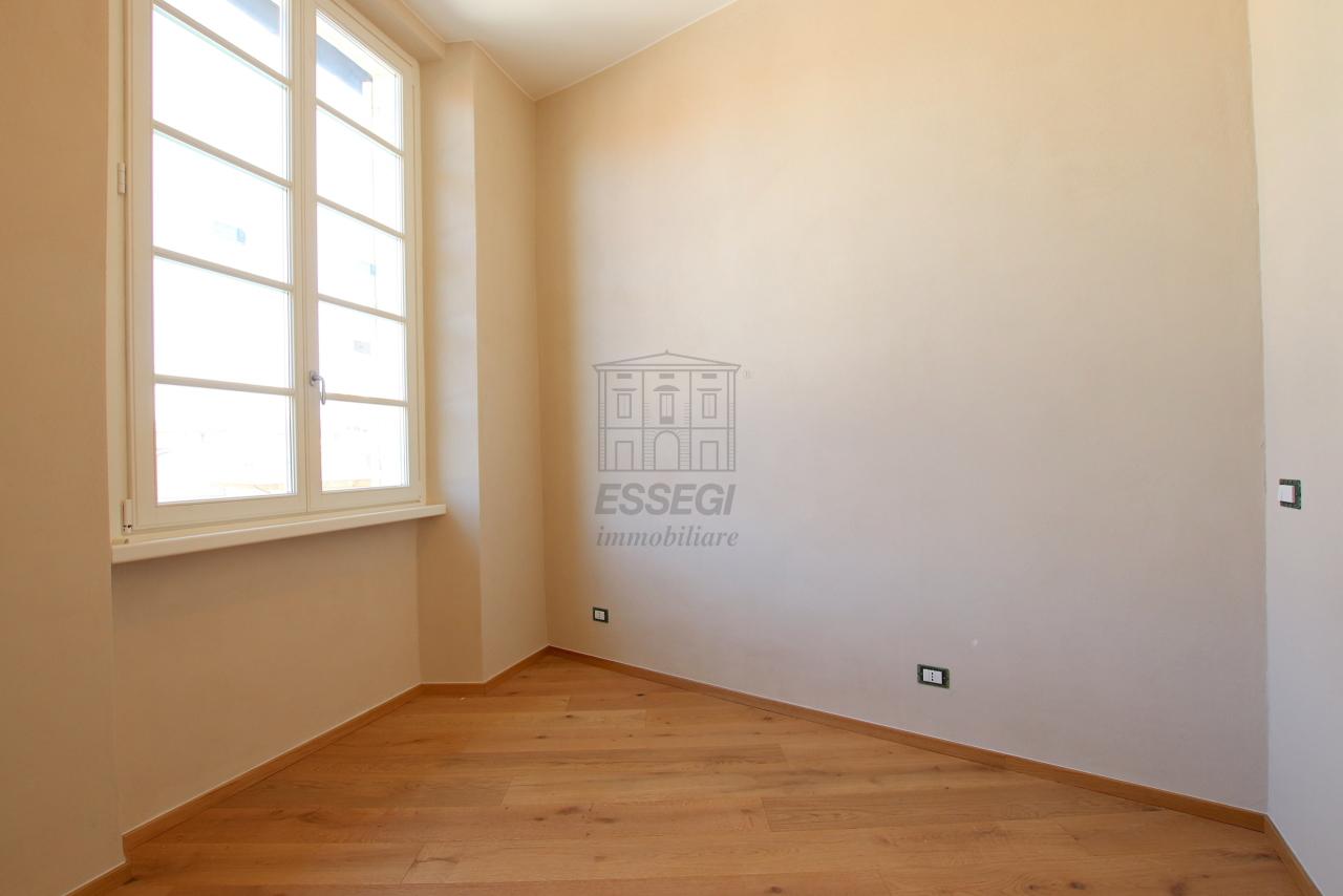 Appartamento Lucca Centro storico IA03509 img 14