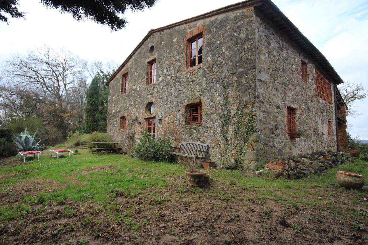 Casa colonica Lucca Monte S. Quirico IA01400 img 2