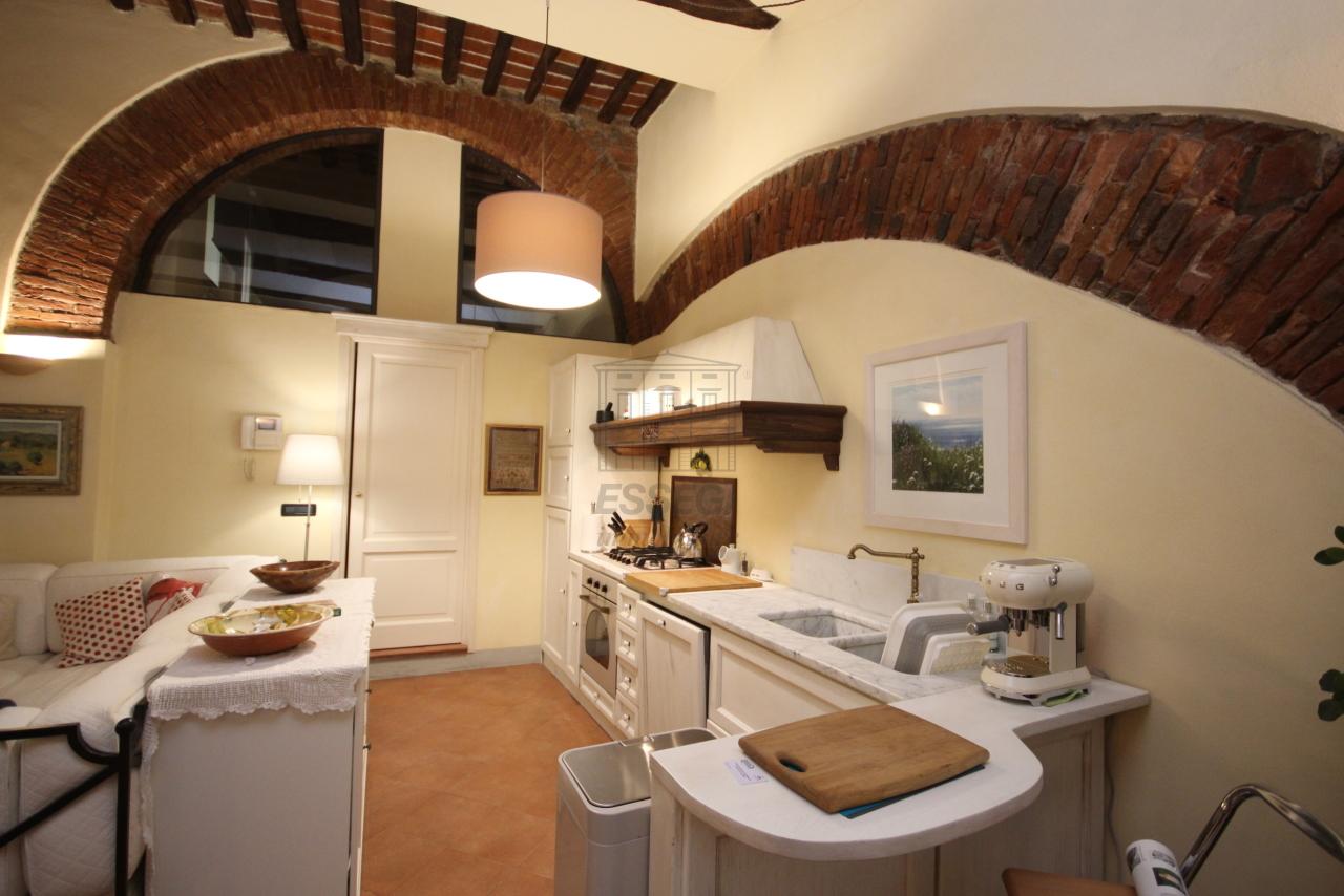 Appartamento Lucca Centro storico IA01292 img 11