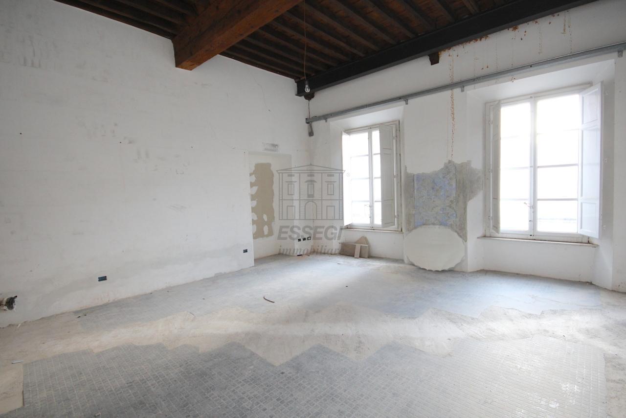 Appartamento Lucca Centro storico IA03452 img 14