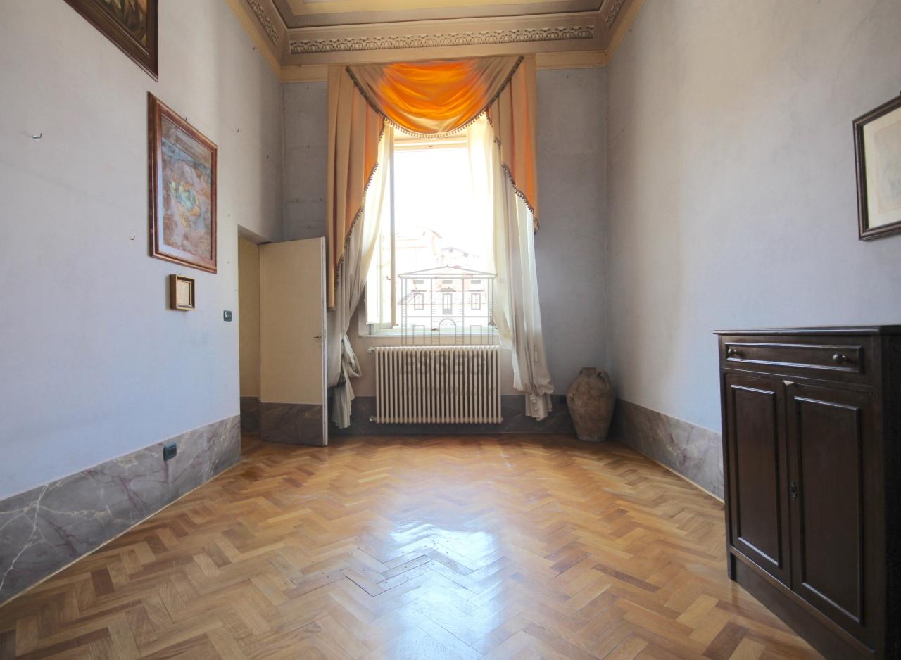 Appartamento Lucca Centro storico IA03358 img 23