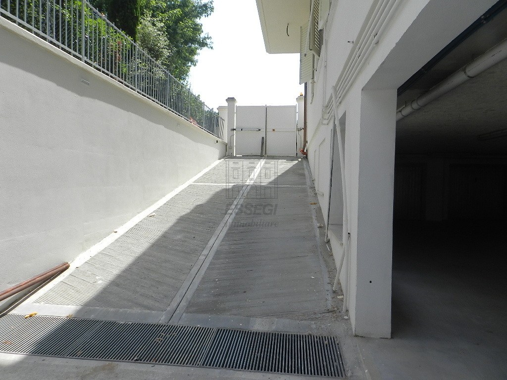 Appartamento Lucca S. Marco IA03391 img 12