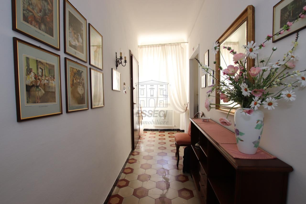 Appartamento Lucca Centro storico IA03499 img 2