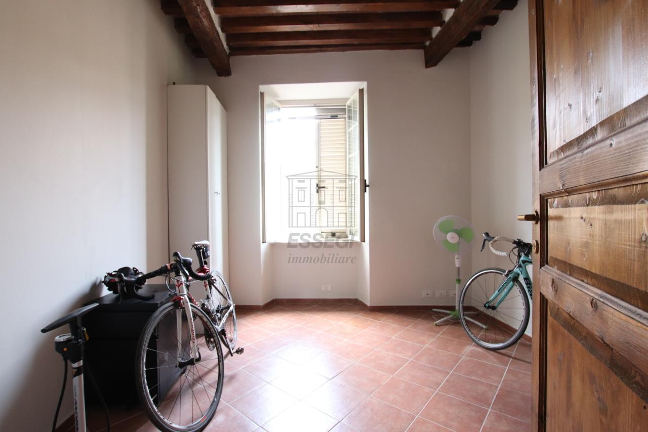 Appartamento Lucca Centro storico IA01844 img 31
