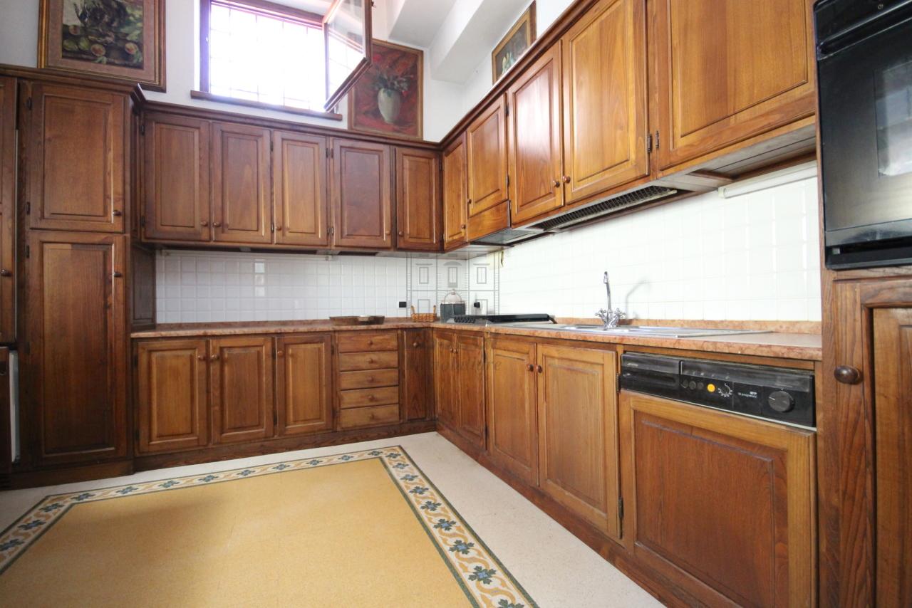 Appartamento Lucca Centro storico IA03358 img 7